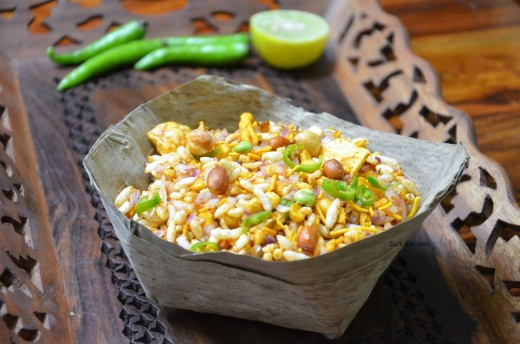 Masala Muri or Puffed rice mixed with masalas,onions,chillies and nuts.A perfect evening snack in Bengal even today.
