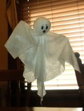 DIY Paper Towel Halloween Ghosts