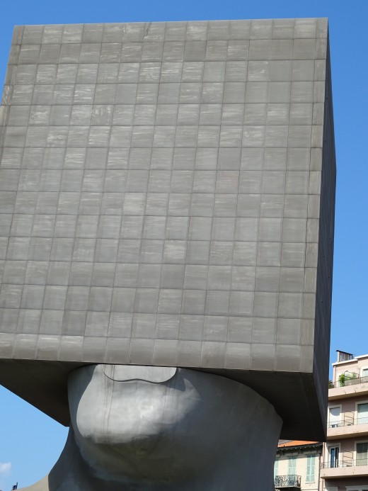 The famous box-head sculpture outside the modern art gallery
