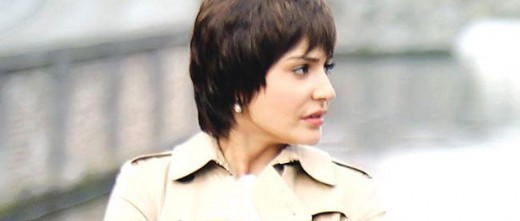 Leaked: Here's a look at Bollywood actress Anushka Sharma on the sets of Rajkumar Hirani's upcoming flick, P.K. VISIT BISCOOT SHOWTYM FOR FULL STORY CLICK BELOW : http://www.biscoot.com/showtym