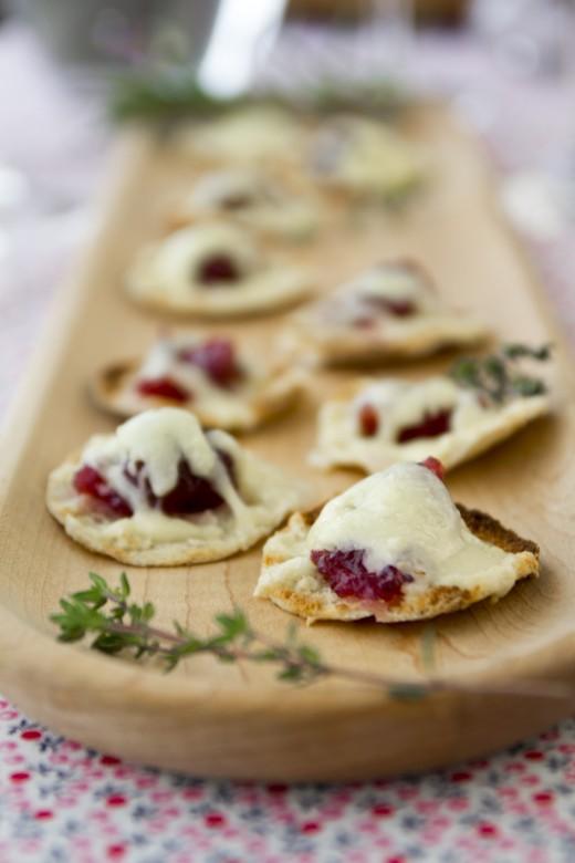 Cranberry Horseradish Cheddar Bites Recipe