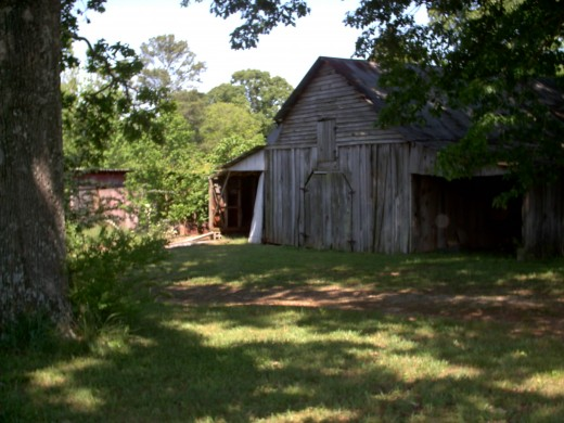 An author may see a wonderful story in this old barn.