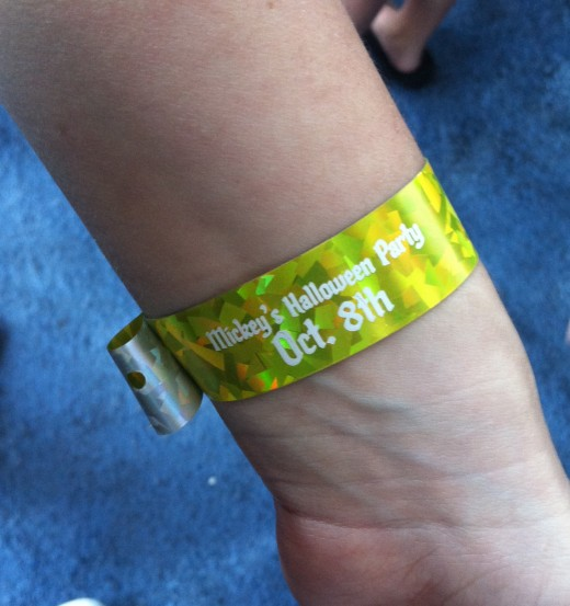 Here is my wristband for the night!
