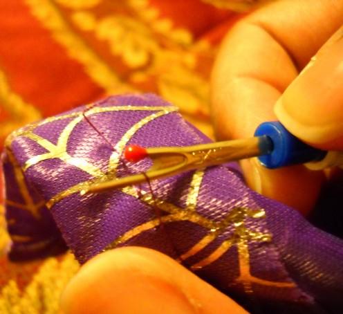 5)  Seam ripper tool