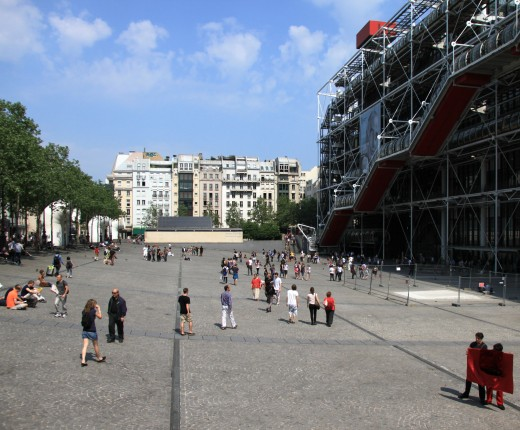 Place Georges-Pompidou, Paris and the Pompidou centre on the right
