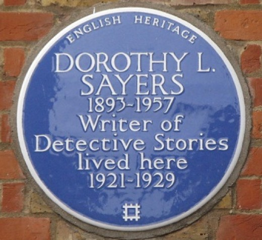 Blue Plaque commemorating Dorothy L. Sayers on the house where she lived between 1921-1929
