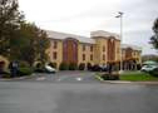 Comfort Inn, 130 Limekiln Road, New Cumberland, PA