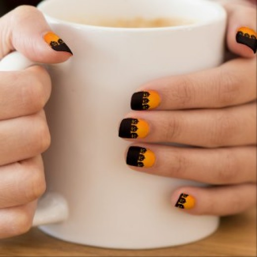 Some lovely and gorgeous Halloween nails.  (Nail wraps and other items available by clicking the source link)