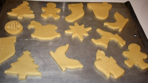 Sugar cookies ready for the oven.