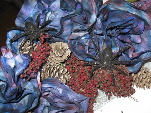 Corner embellishments for natural square wreath