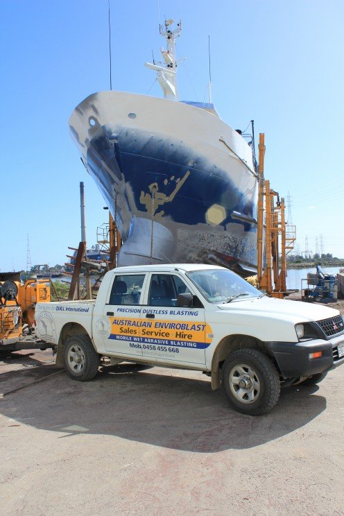 Wet abrasive blasting is used extensively in the shipping and maritime industries, on boats, ships and marine structures.