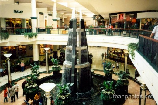 Inside Fashion Show Mall in 1997