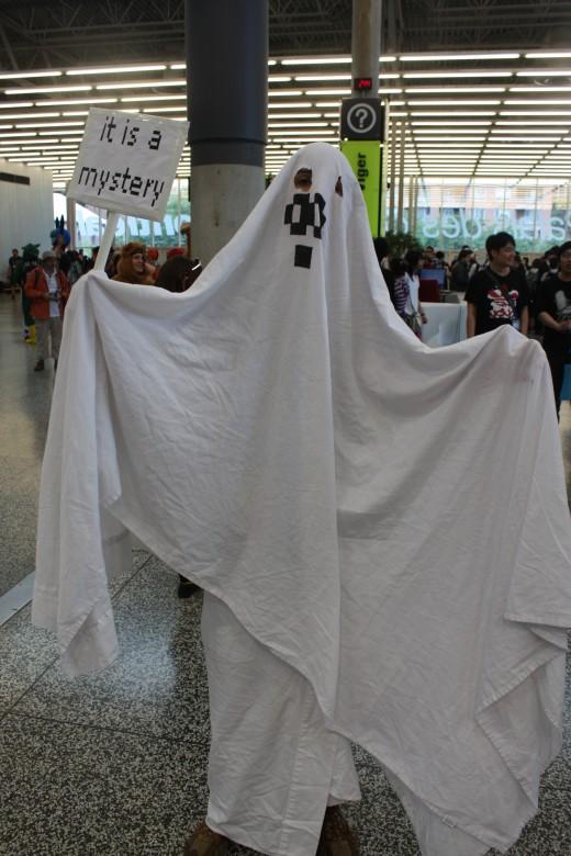 ghast costume all is needed is waterbombs!!