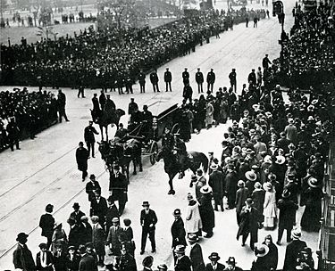 Sholem Aleichem's funeral procession in New York City May 1916