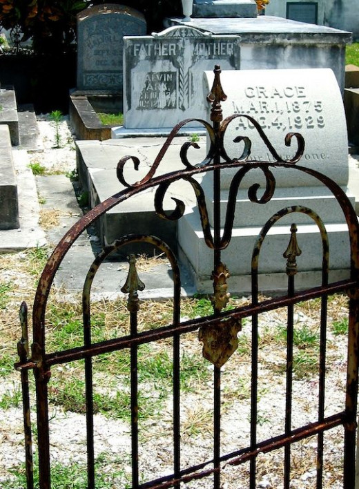 The Cemeteries Of Key West Are Some Of The Spookiest And Most Haunted Places In America. If you want to see a ghost this is the place to go.