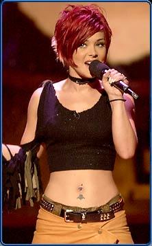 Nikki performing on Idol...
