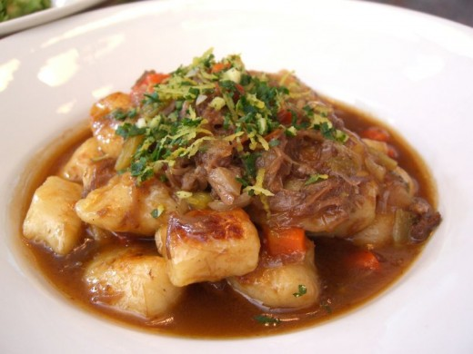 Various vegetables and even gnocchi or tofu can be added to the meat