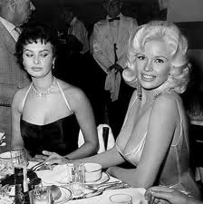 Sophia Loren exhibits jealousy at Jayne Mansfield's beauty