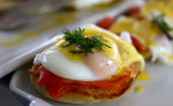 How to cook '' Oeufs au plat'' for your breakfast?