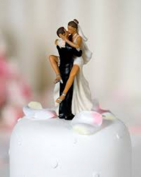 A  wedding cake for happy times.