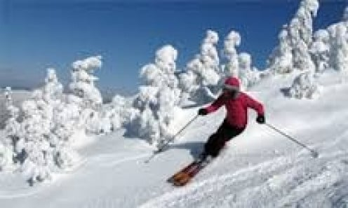 Skiing is a fun activity to enjoy while visiting Maine. They have slopes for the beginner and the expert.
