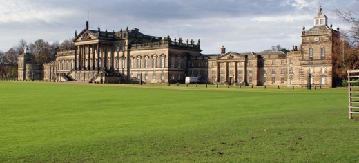 Front of Wentworth Woodhouse Courtesy of Wikimedia ( Creative Commons Attribution-Share Alike 2.0 Generic license)