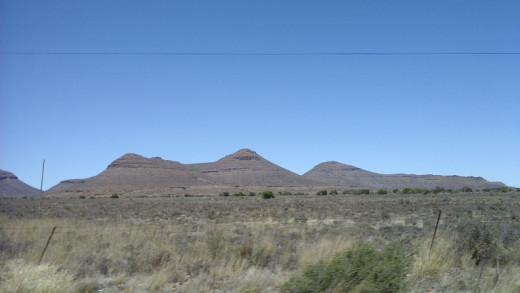 Three (fake) sisters between Colesberg and Beaufort West, Great Karoo, South Africa