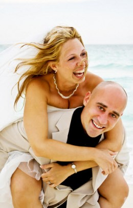 Fun Beach Wedding Ideas - Lauren and Steve enjoyed every minute of their unique beach wedding.