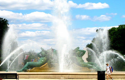 Beautiful fountain on the Benjamin Franklin Parkway in Philadelphia, PA