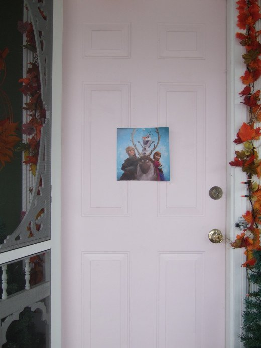 A Picture on the front door to greet the Frozen Themed Birthday Party Goers