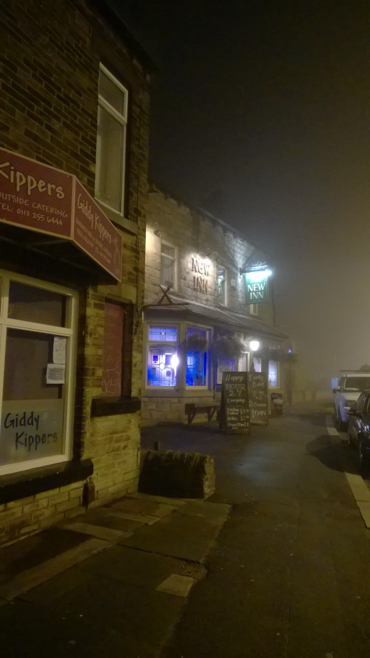 Sandwich Shop & Pub In The Fog 830