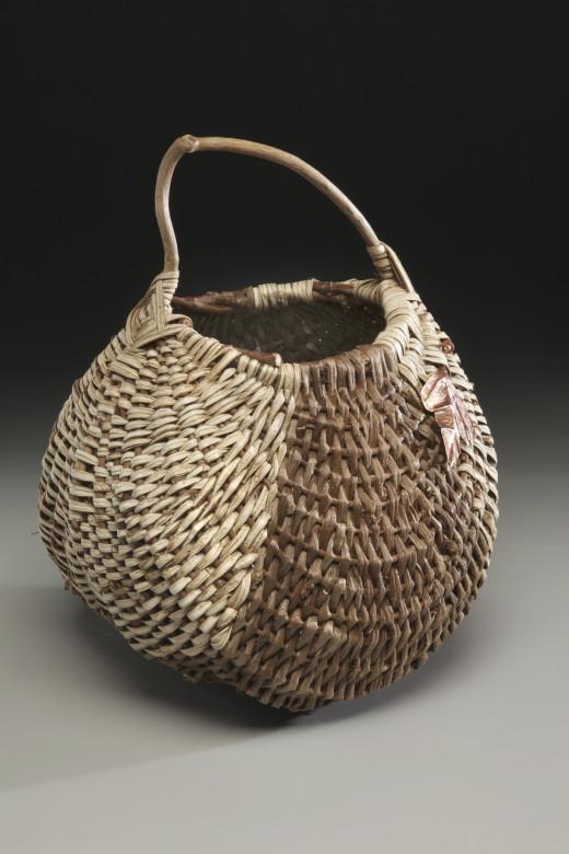 This kudzu basket was woven by basketmaker Matt Tommey in the Appalachian Oriole style.
