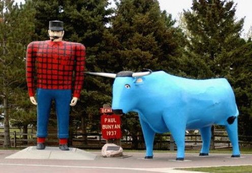 The statues of Paul Bunyan and Big Blue Ox have been registered since 1988 on the National Register of Historic Places.