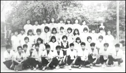 High School Class (IV-8) Photo