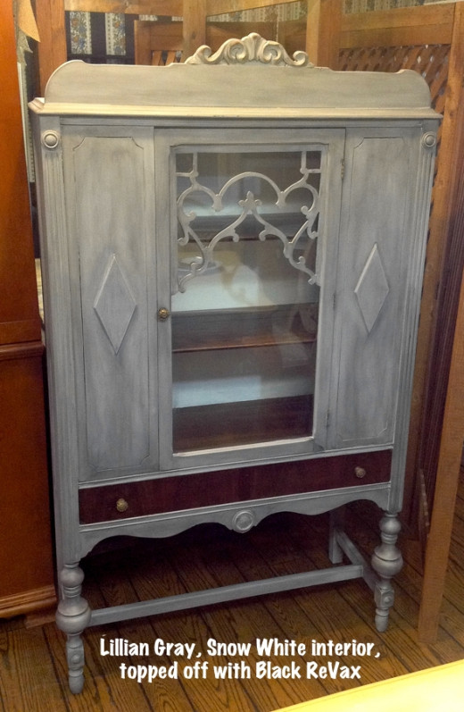 Vintage painted china cabinet from 1920's.