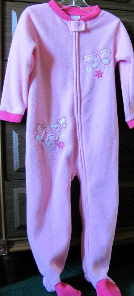 Brand new onsies with original tags PJs for my gran daughter $2.99