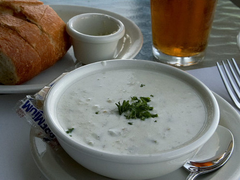 This clam chowder looks so good! 2006 - Public Domain.
