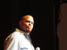 Sinbad, once again presented clean comedy that brought genuine laughter to his audience.