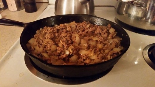 Blend the meat and onions with the spices well before adding the rest of the ingredients!