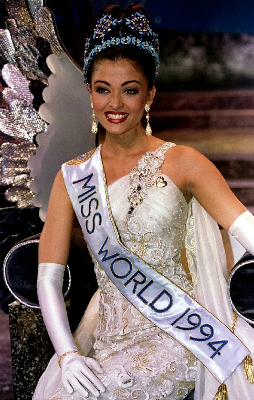 Aishwarya Rai at Miss World 1994
