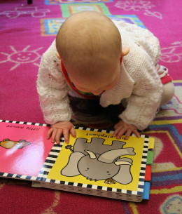 Kids who learn to read early maintain a reading advantage of later readers