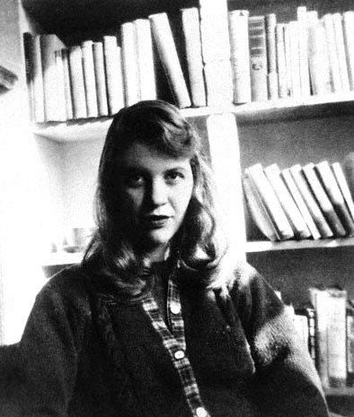 A black-and-white photo of Silvia Plath in 1957.