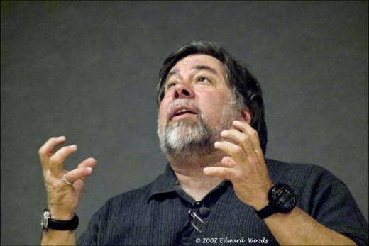 Apple Computer Co-Founder Steve Wozniak speaking to the Tri-Valley Mac Users Group on June 21, 2007.