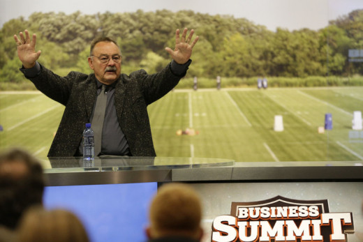 Dick Butkus addresses a civic group