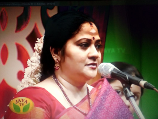 Sowmya performing in Margazhi Maha Utsavam, 2013