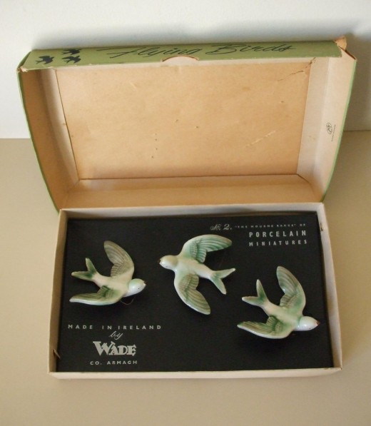 Vintage Wade Whimsies Flying Birds - Three Green Swallows with Box ( UK buyer in Dorset ) £10