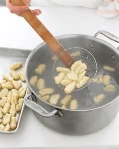Boiling gnocchi