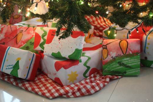 There are many creative ways to avoid using glossy wrapping paper.