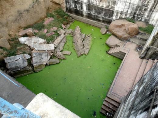 The green water of Sita Kund
