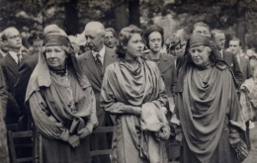 Princess Elizabeth being initiated into the Gorsedd of Wales by two Druid priestesses, 1946.